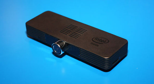 intel ajoute une cam ra realsense dans une cl hdmi sous core m. Black Bedroom Furniture Sets. Home Design Ideas